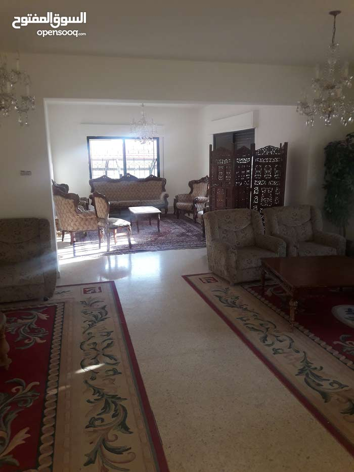 Daheit Al Rasheed neighborhood Amman city - 850 sqm apartment for rent