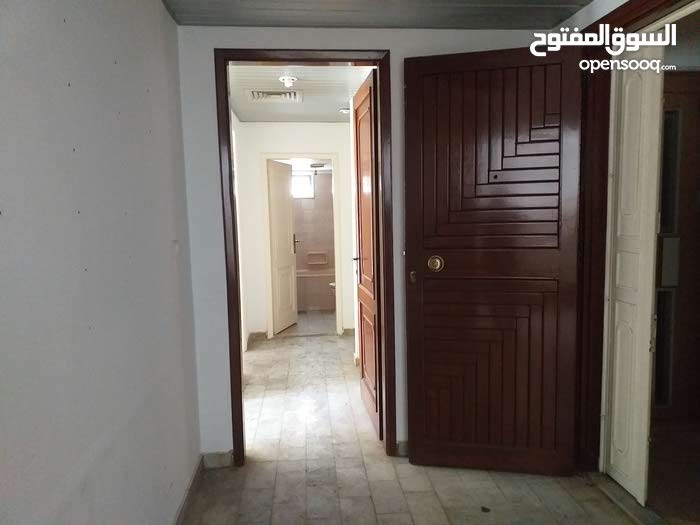 شقة بسعر لقطة للبيع في منطقة مارلياس طابق اول 270 متر بسعر500 الف $
