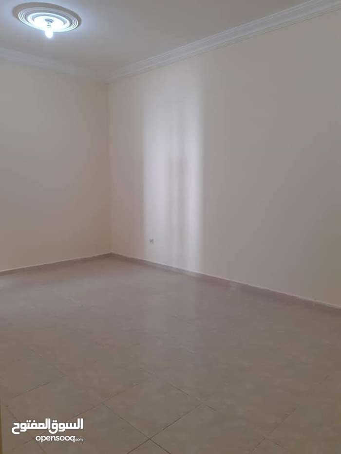 apartment in 111 is available for rent