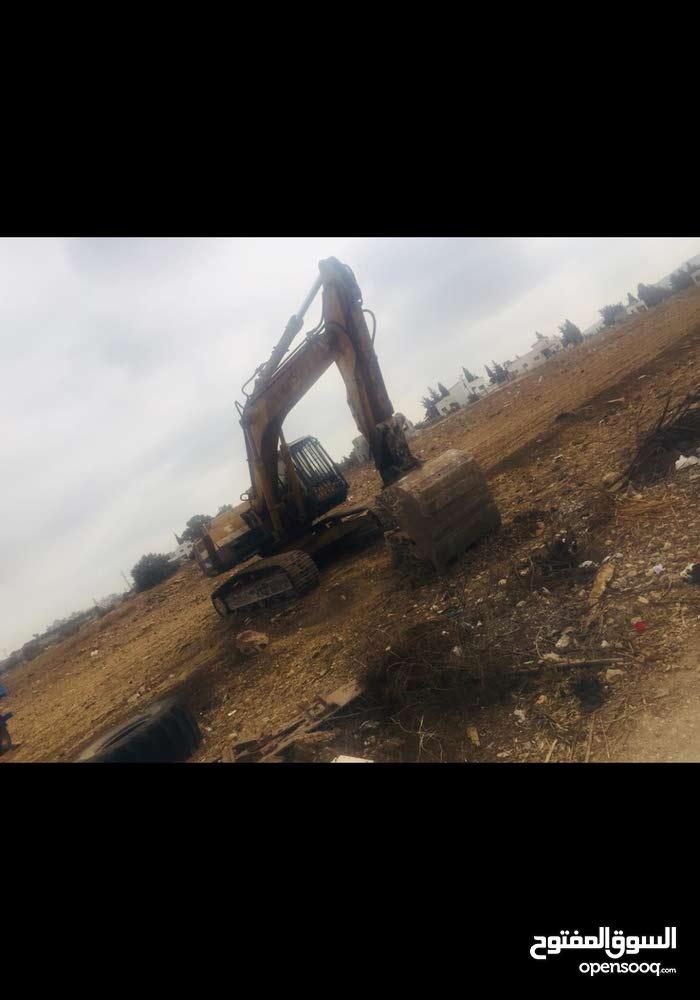 A Bulldozer is available for sale in Irbid - (108821175