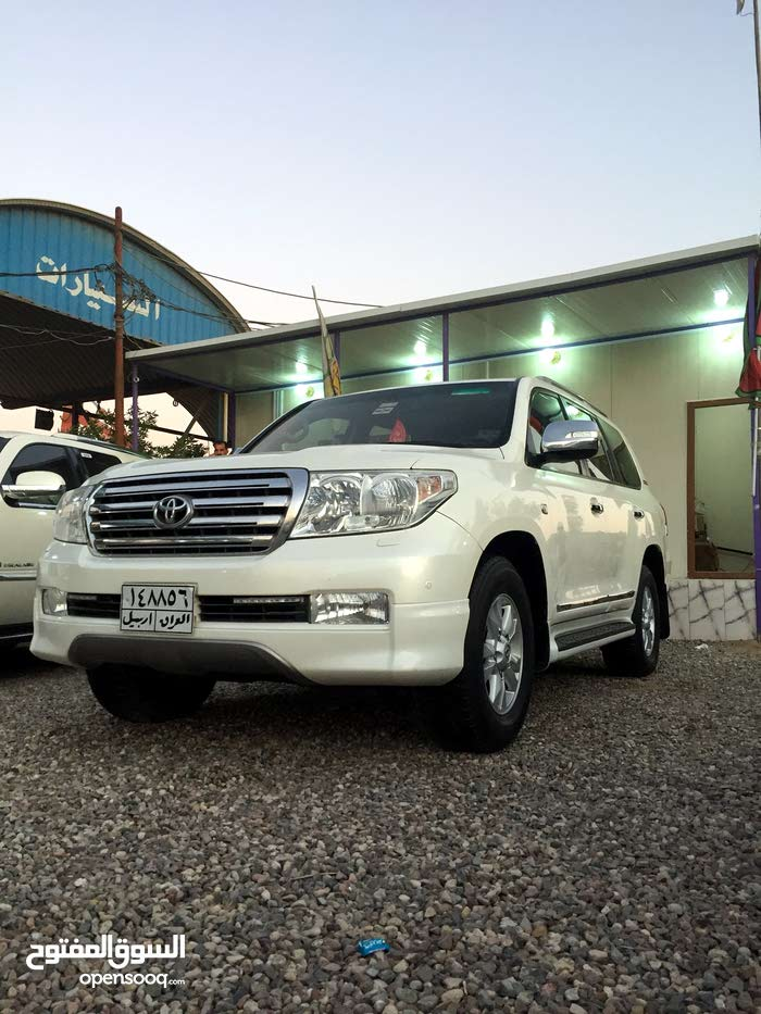 Used condition Toyota Land Cruiser 2011 with 1 - 9,999 km mileage