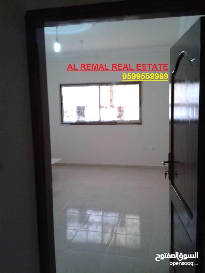 للايجار شقة مكتبية 90 متر/لعيادة /لمكتب بمنطقة تجارية/الرمال