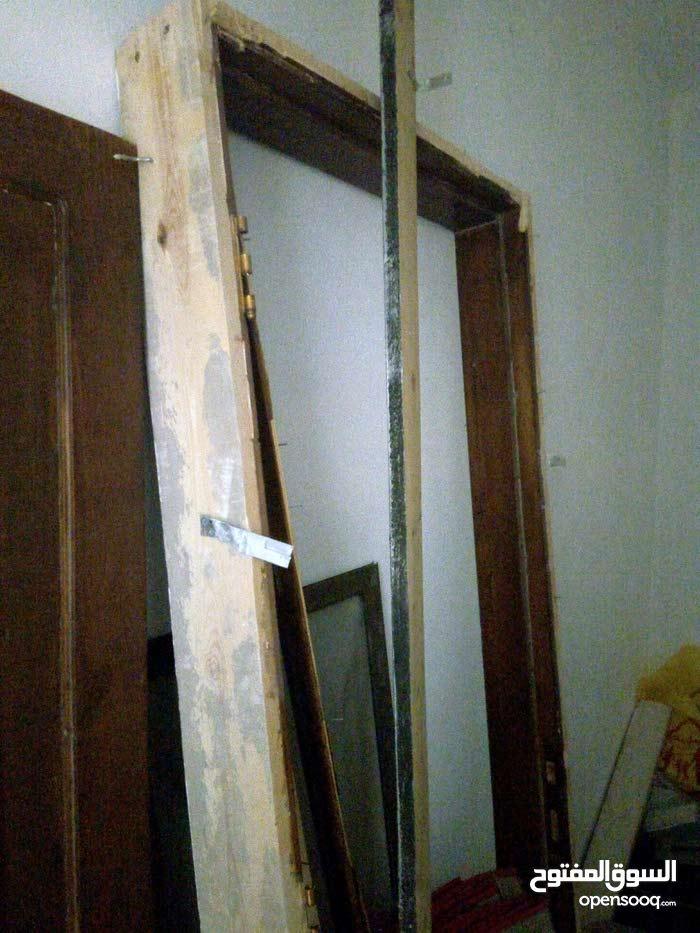 باب خشب للبيع