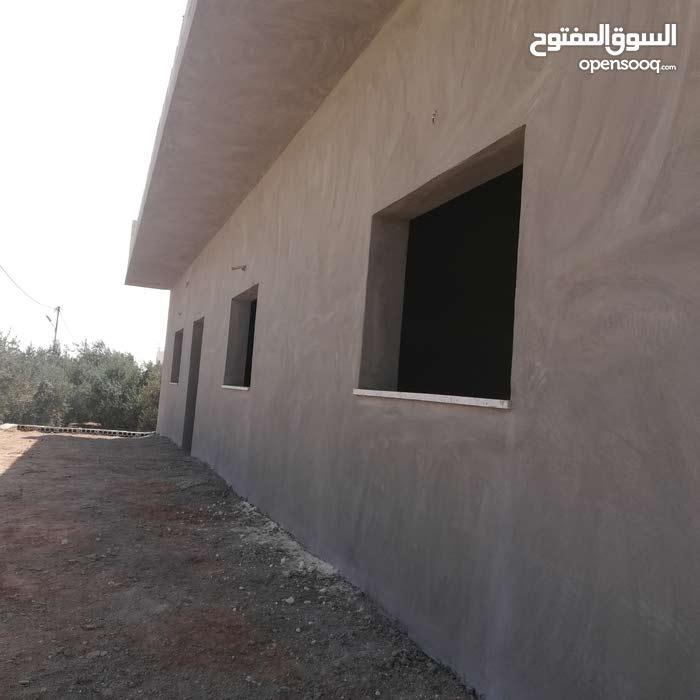 ثلاث بيوت للبيع مستقلات  في الزعتري حي الناصريه.....