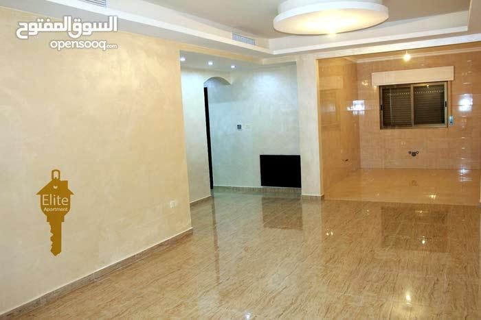 شقه طابق أرضي للبيع في الاردن - عمان - ديرغبار مساحة 85 م
