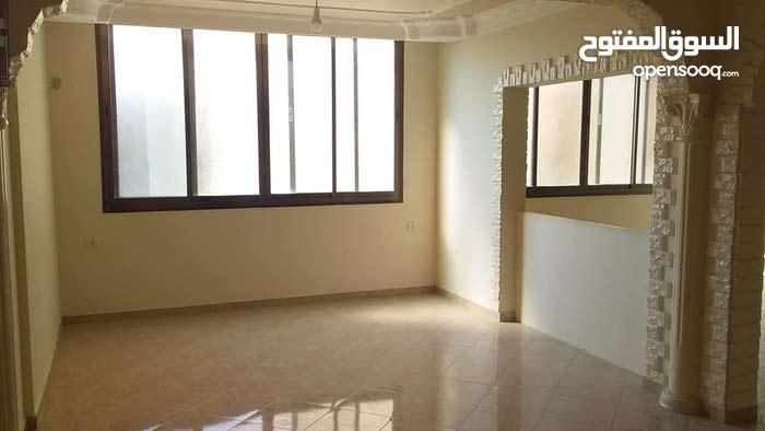 شقة 140 م نظيفة للإيجار - 200 دولار - طابق 3 - تل الهوا