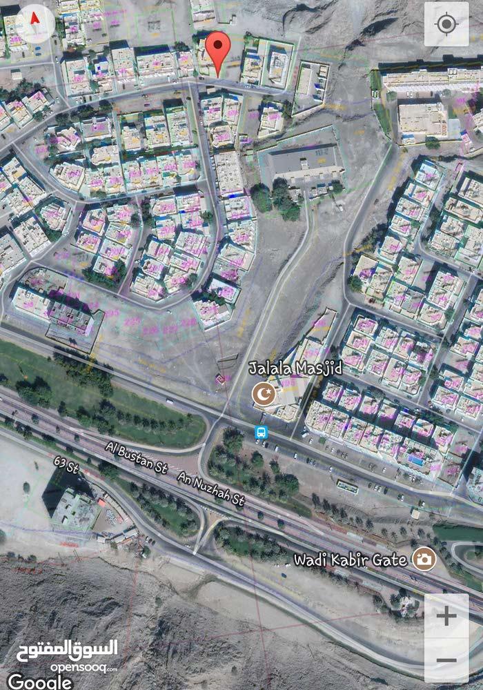 أرض سكنية في الوادي الكبير قرب الحصانات