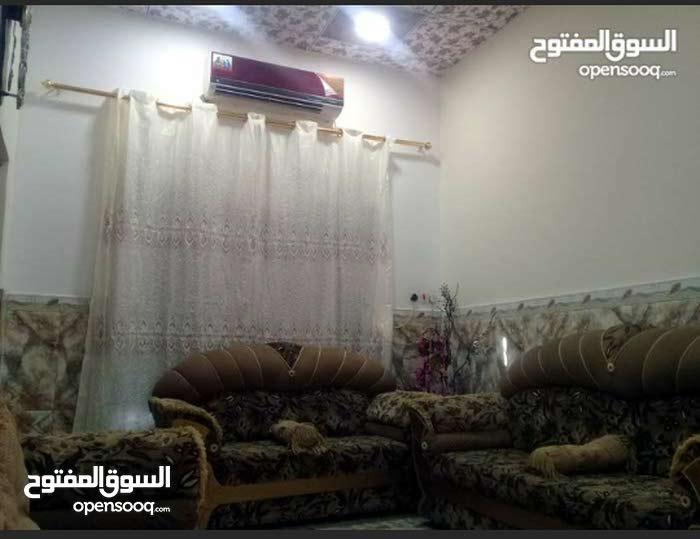 دار للبيع في القبله المساحه 100م السعر 110
