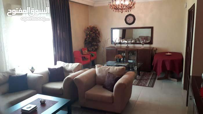 شقة مميزة جدا للبيع/ الزهور _ خلف مطعم هاشم 35