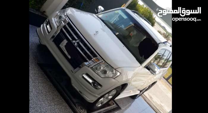 Automatic White Mitsubishi 2017 for sale
