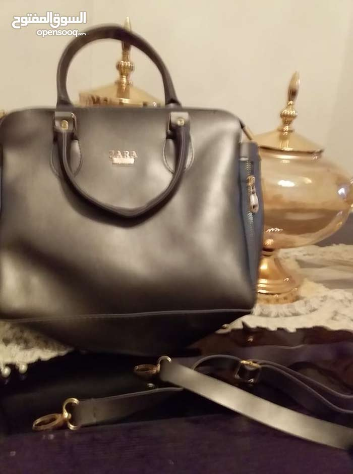 7b45fca8208b4 New Hand Bags with a very good specifications is available for sale -  (104043644)