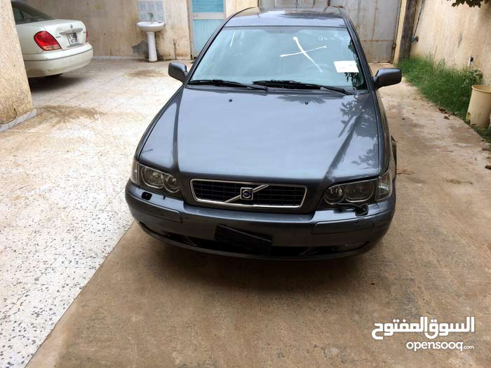 Volvo V40 car for sale 2003 in Tripoli city