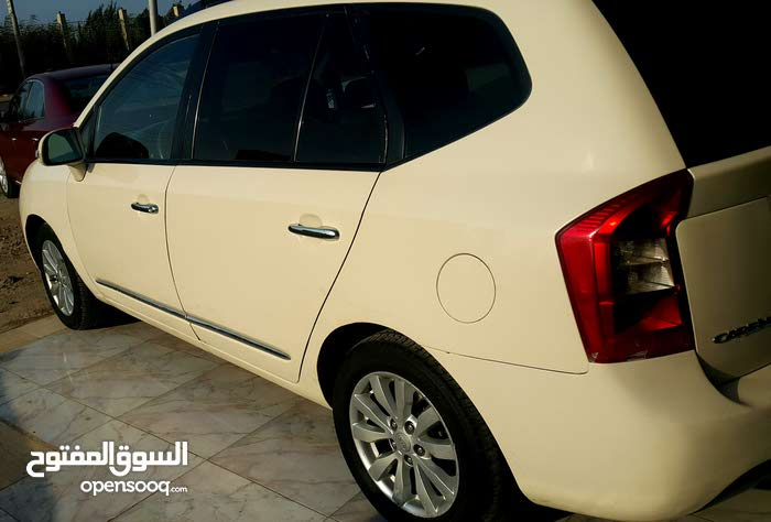 For sale Kia Carens car in Cairo