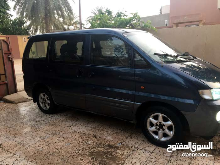 Blue Hyundai H-1 Starex 2002 for sale