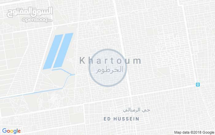 للبيع قطعة في امتداد ناصر مربع 3 بالقرب من رويال كير المساحة 380