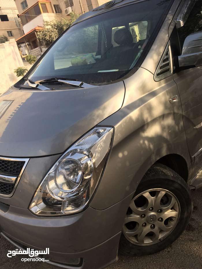 Hyundai H-1 Starex car for sale 2011 in Irbid city