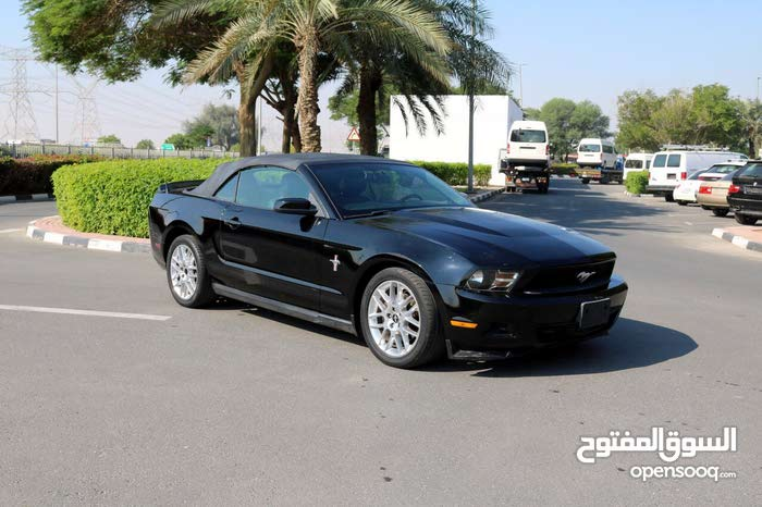 Ford Mustang convertible V6 GCC 2012