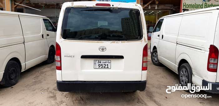 Used condition Toyota Hiace 2009 with +200,000 km mileage