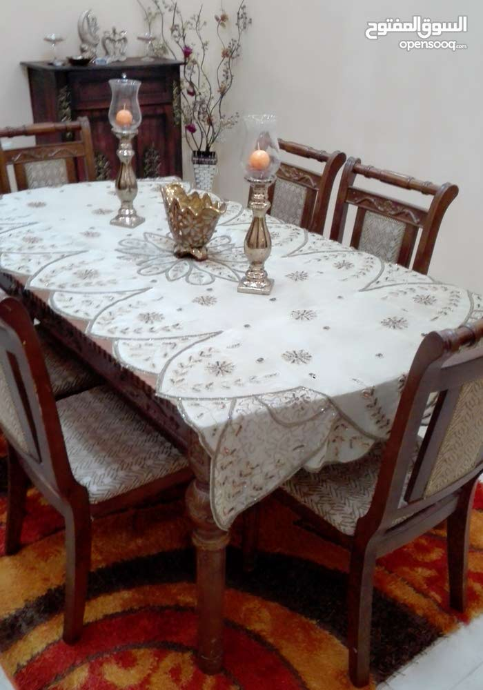 طقم كورنر وطاولة سفرة تقيلة للبيع بسعر مغري
