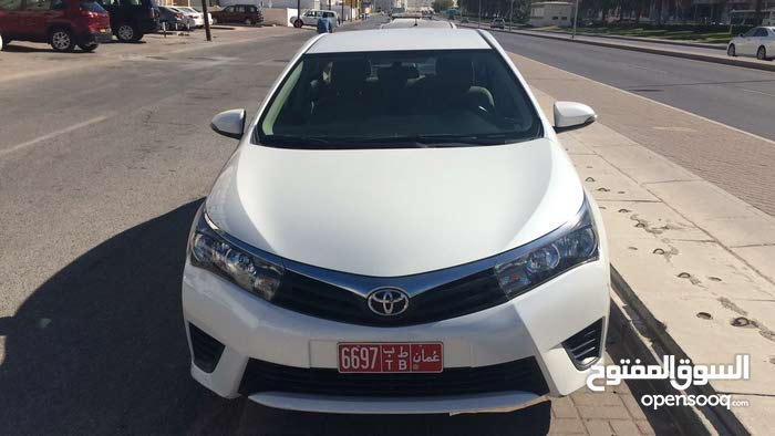 Automatic White Toyota 2016 for rent