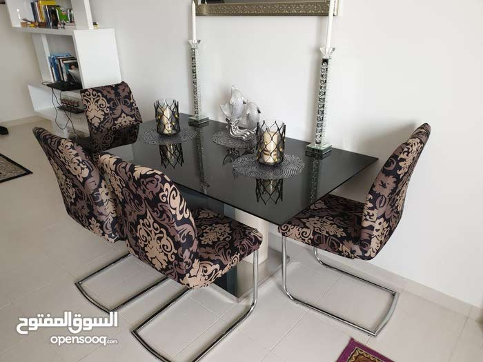 buyer of dining set and all furniture 0569840024