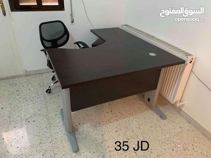اثاث مكتبي مستعمل لشهر واحد فقط