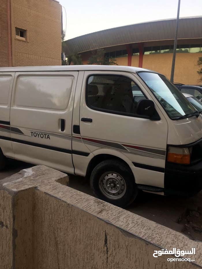 1991 Used Hiace with Manual transmission is available for sale