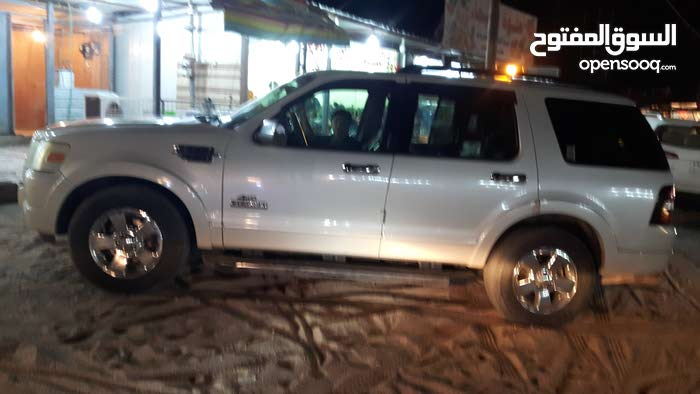 Used condition Ford Explorer 2006 with 1 - 9,999 km mileage