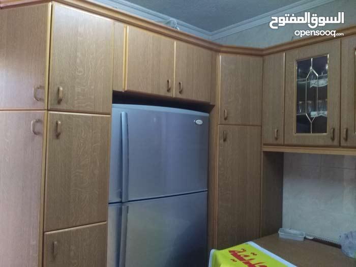 شقه للبيع منطقه ضاحية الرشيد خلف فندق الفنار طابق ارضي