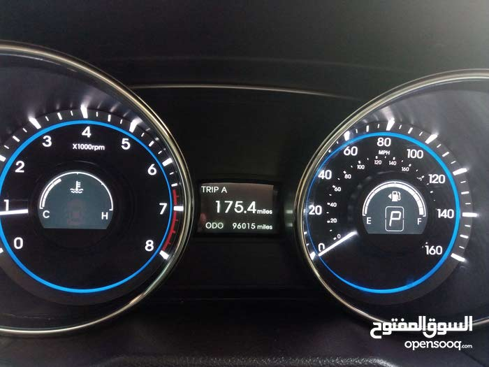 urgent sale Hyundai sonata 2012 full option one year mulkiya