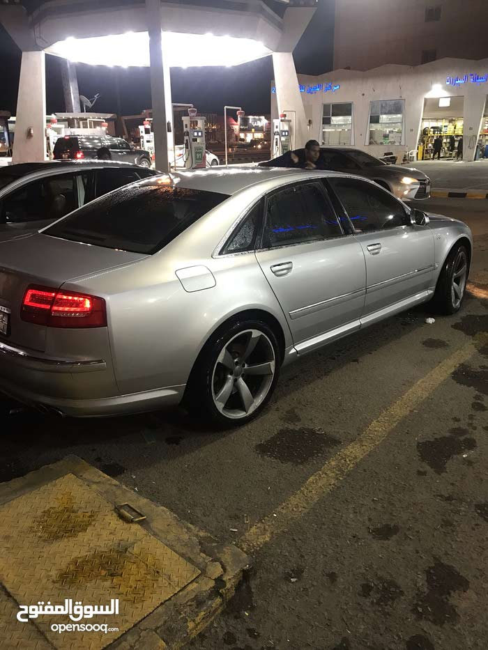 Audi S8 2007 For sale - Silver color