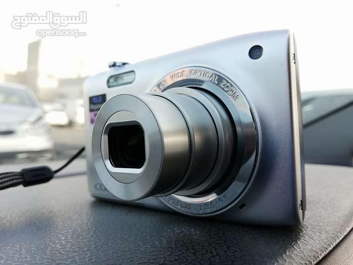 كاميرا نيكون بحالة ممتازة شبة الجديدة