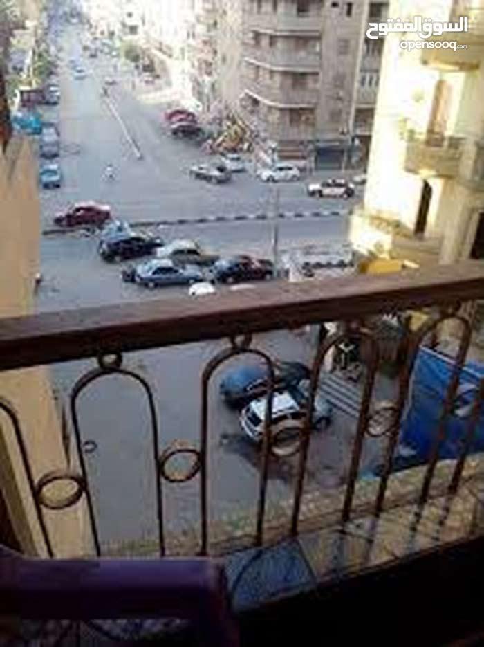شقه للبيع بشارع الثانويه