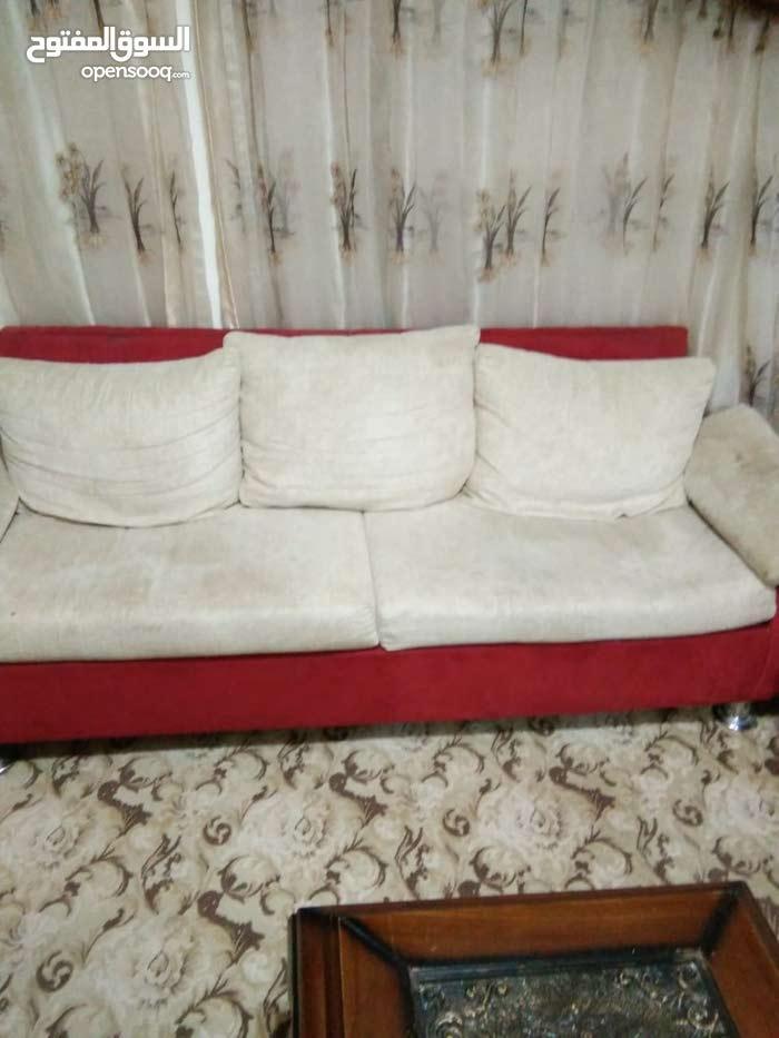 صالون 10 مقاعد وصوبات- مكيف- مكوي- طاوله رخام