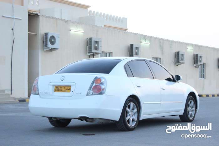 Nissan Altima 2005 For sale - White color