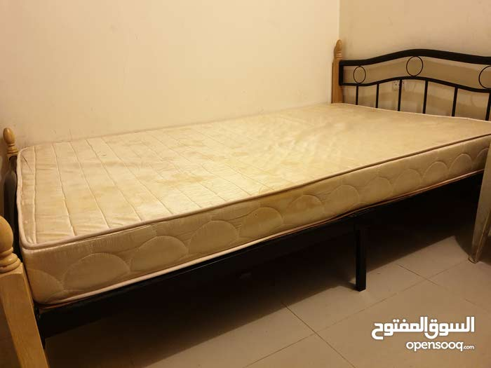 سرير حديدي ممتاز + مرتبة السرير  .. iron bed + mattress