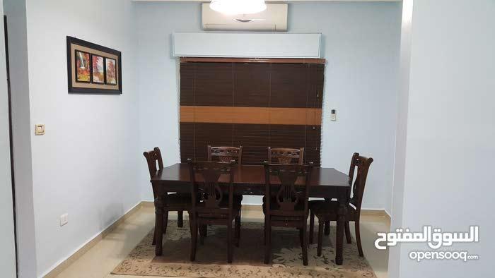 شقة طابقية للايجار - ضاحية الرشيد