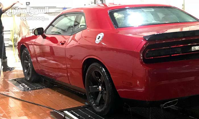Used condition Dodge Challenger 2011 with 120,000 - 129,999 km mileage