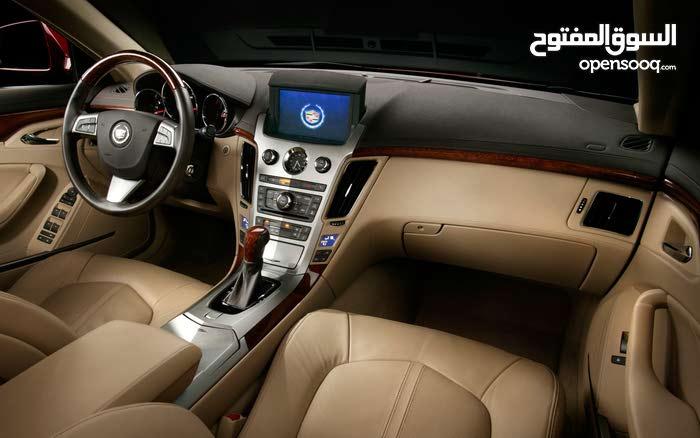 سيارة كايلاك SRX لون اسود نظيفة جدا