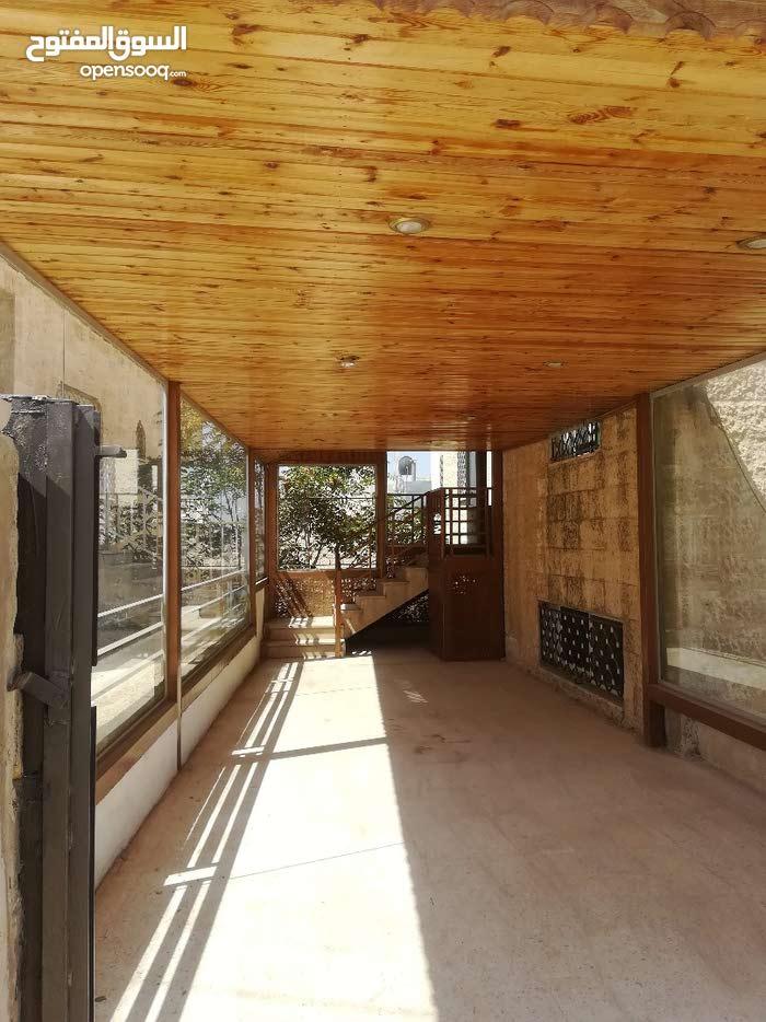 شقة أرضية للبيع بخلدا مدخل وكراج مستقل
