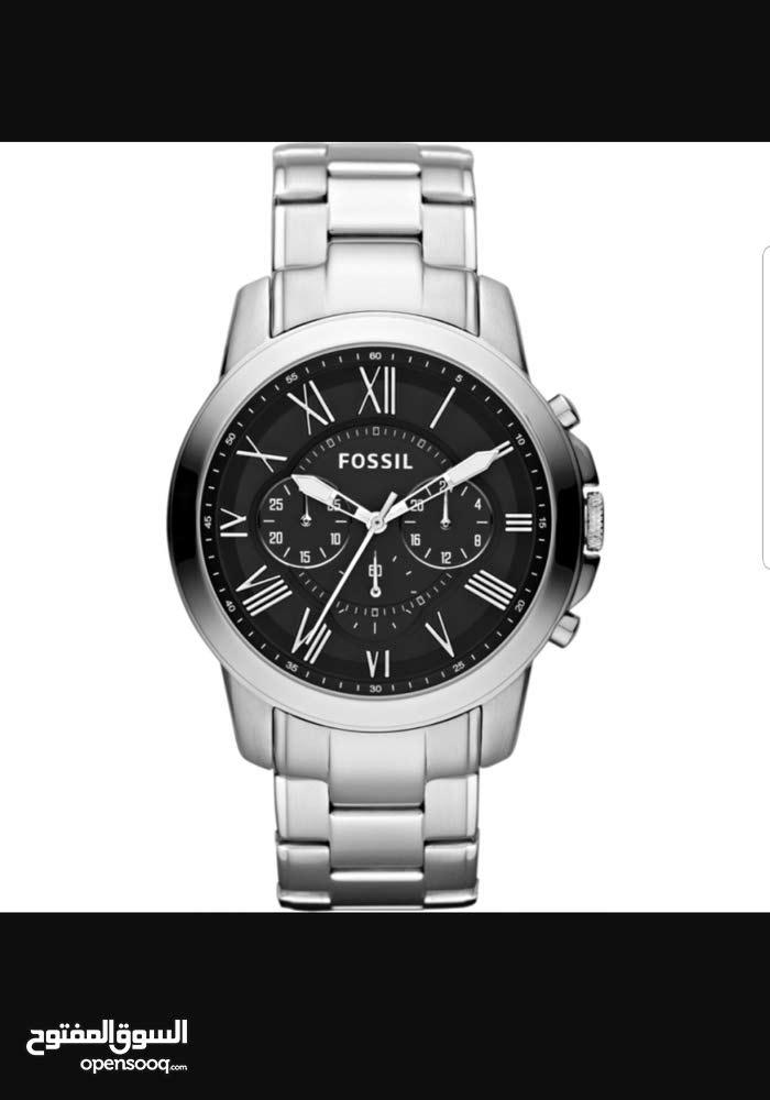 ساعة fossil الرجالية مع علبتها كفالة سنتين