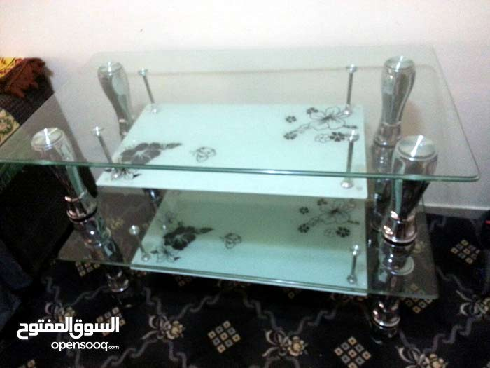 طاولات للبيع في عجمان