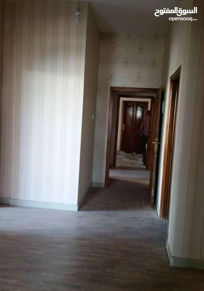 شقة للبيع في حده , المساحة 220 , السعر 75 الف