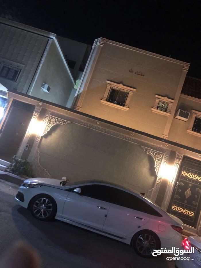 200 sqm  apartment for rent in Al Majaridah