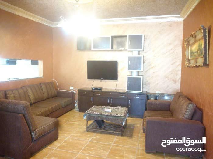 شقة للبيع البوابه الشماليه للجامعة الاردنيه