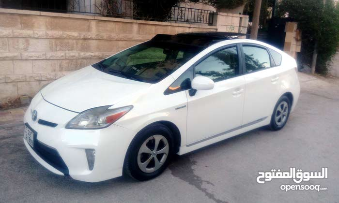 Available for sale! 90,000 - 99,999 km mileage Toyota Prius 2013