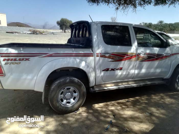 Available for sale! 100,000 - 109,999 km mileage Toyota Hilux 2015