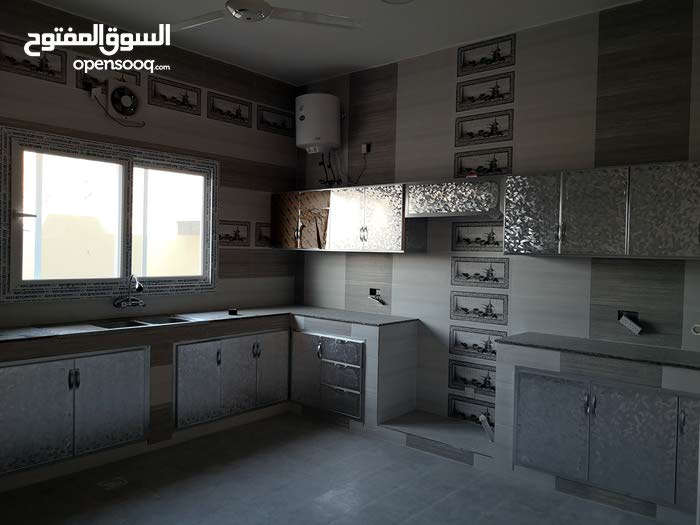 Mahaj property for sale with 5 rooms