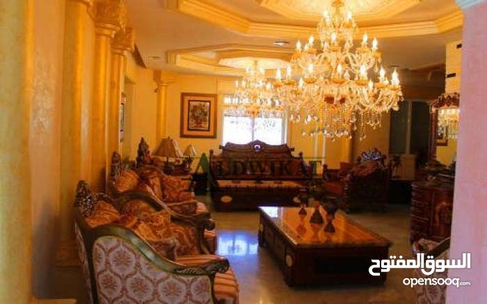 Luxury 900 sqm Villa for rent in AmmanKhalda