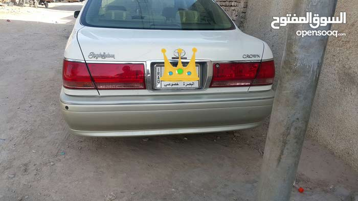 Toyota Crown 2002 For sale - Gold color